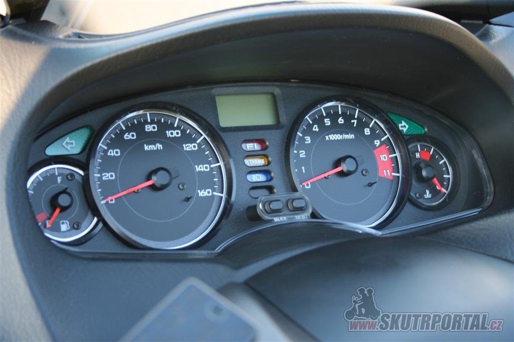 Honda S-Wing 150. Limuzína na dvou kolech