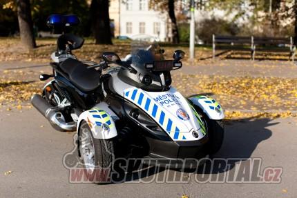 Policie na skútrech