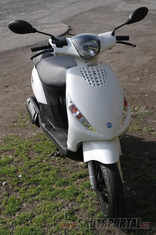 Piaggio Zip 50 - www.skutrportal.cz