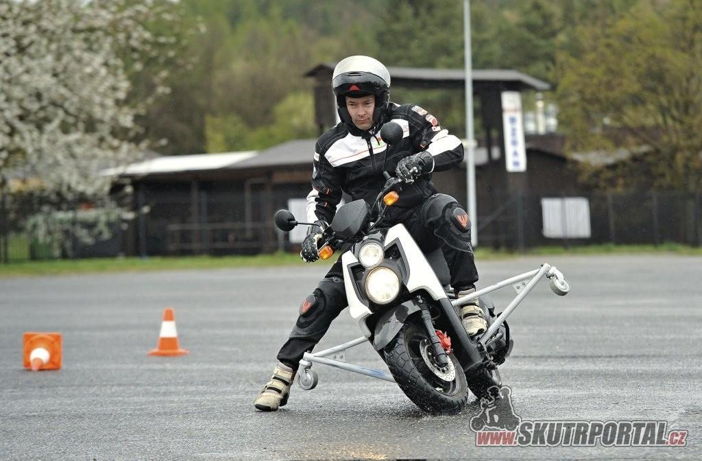 Bezpečně na motorce na Skútr Šnůře