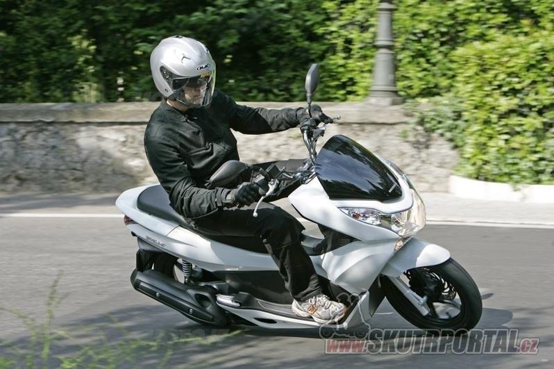 Test Honda Pcx 125 Cm3 Sofistikovaná A Inovativní Skutrportalcz