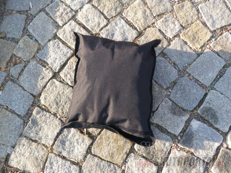 Pláštěnka na skútr HELD: letmá zkušenost