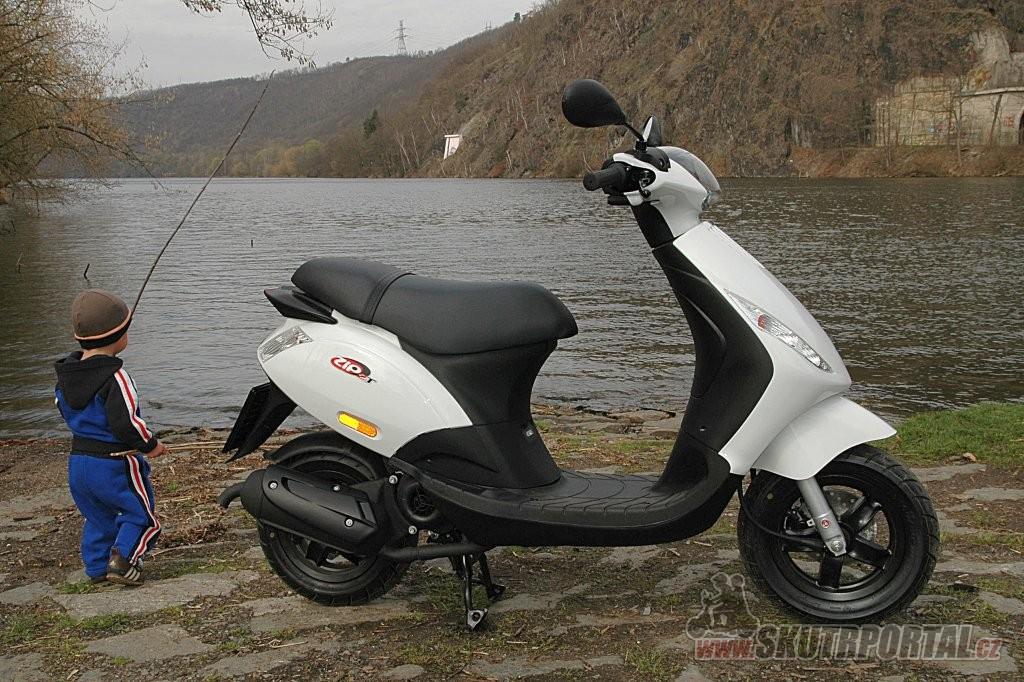 Piaggio Zip 50 -www.skutrportal.cz