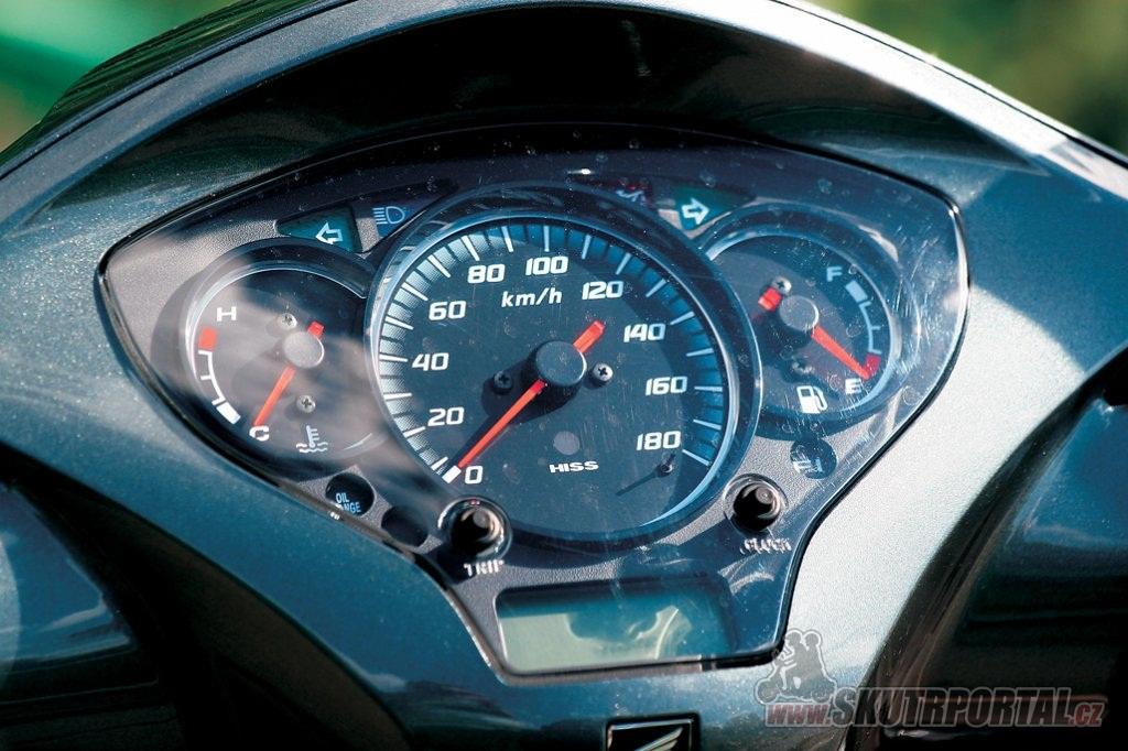 Honda SH 300i. Z města ne