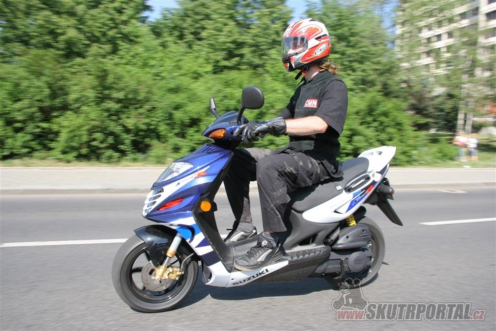 Suzuki Katana 50R. Požírač dlažebních kostek