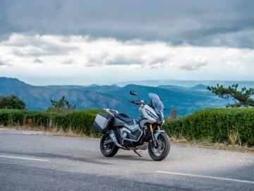 01: Honda X-ADV