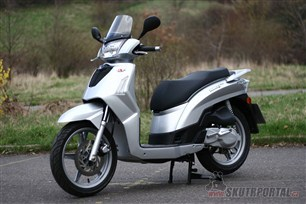 Kymco People 125 S. Pohodář do ulic