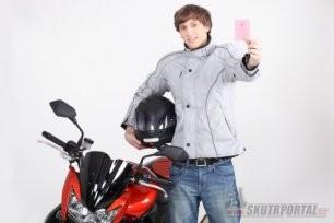 teenager day na motosalonu