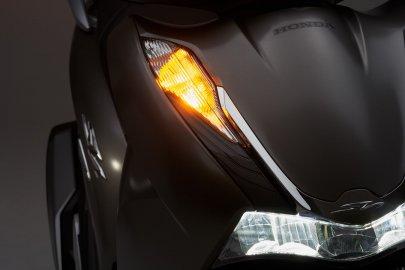 06: Honda SH350I 2021