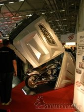 021: intermot 2012 - garáž
