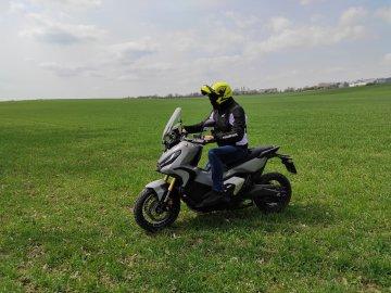 024: Honda X-ADV 750