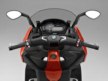 010: BMW C650 Sport
