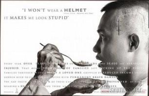 03: Když na skútru, tak s helmou!!!