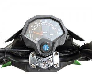 03: SXT Raptor 1200 - elektroskútr s moto vizáží