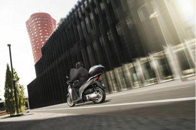 002: Honda SH300i, modelový rok 2016