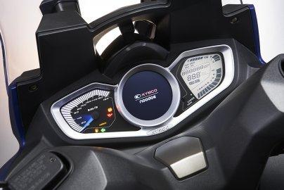 KYMCO představuje sportovní cestovní skútr s Bluetooth konektivitou: Xciting S 400i ABS