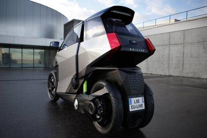 Peugeot EU-LIVE autoskútr z Francie