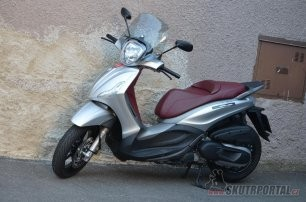013: Piaggio Beverly 350 Sport Touring