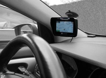 08: Navitel G550 Moto GPS - navigace za pár kaček