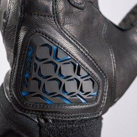 03: Inteligentní vyhřívané rukavice IXON