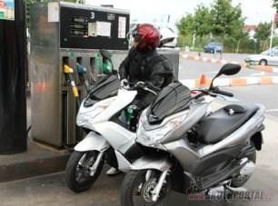 """Honda PCX systém """"stop-go"""" Je opravdu tak úsporný?"""