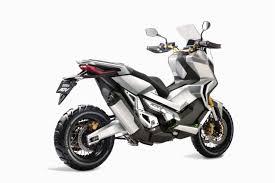 02: Honda X-ADV
