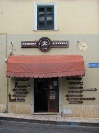 05: Prodejna pro chlapy v Orosei. Italština je docela jednoduchý jazyk a má své kouzlo.