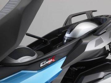 005: BMW C400X