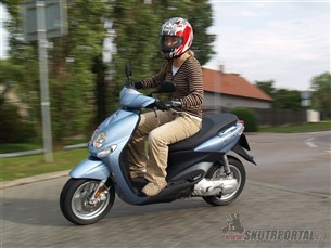 Yamaha Neo´s. Pro hrdinu zMatrixu