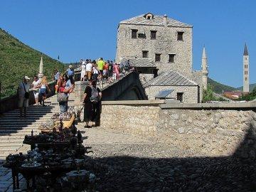 019: 19 Starý most dal  Mostaru jméno.