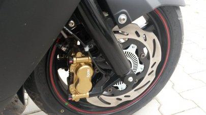 Systém ABS povinný od roku 2016 u motocyklů o objemu motoru 125 a více a další novinky pro rok 2016