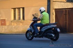 015: Piaggio Beverly 350 Sport Touring