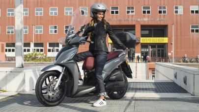 03: Kymco New People S 125i ABS