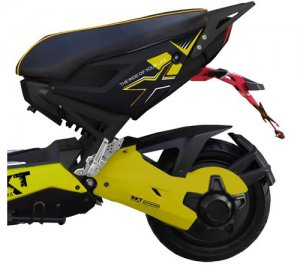 02: SXT Raptor 1200 - elektroskútr s moto vizáží