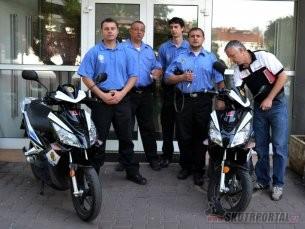 Městská policie Neratovice na elektro skútrech