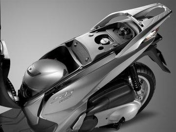008: Honda SH 300i pro rok 2015