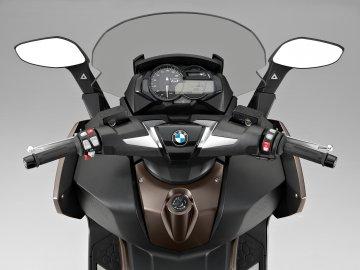 009: BMW C650 GT
