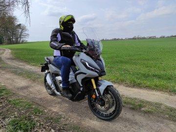 023: Honda X-ADV 750