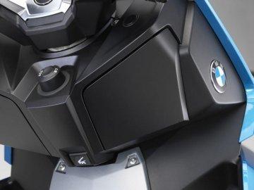 006: BMW C400X