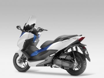 006: Honda Forza 125