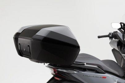 02: Honda Forza 300