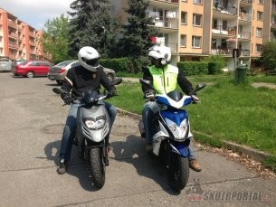 04: piaggio typhoon vs kymco super 8