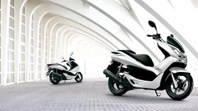 03: Honda PCX