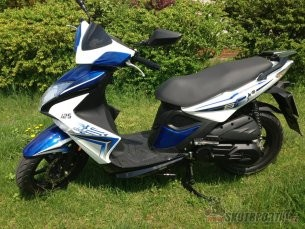 06: piaggio typhoon vs kymco super 8