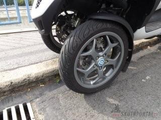 020: piaggio mp3 500 lt business abs - když dvě kola nestačí