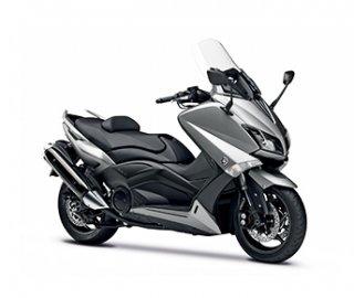 02: Vítěz kategorie skútry nad 125 ccm Yamaha T-Max