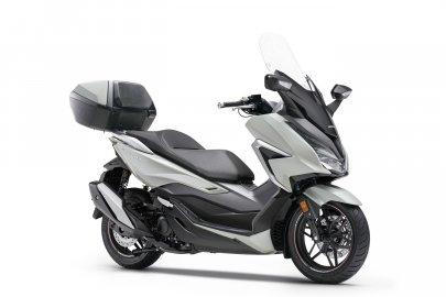 01: Honda Forza 350
