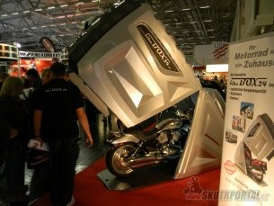 019: intermot 2012 - garáž