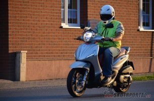 014: Piaggio Beverly 350 Sport Touring