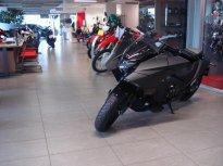 Honda NM4 Vultus